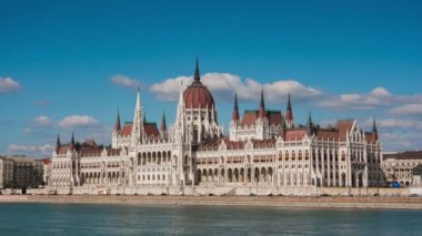 Parliament building in Budapest — Stock Video