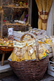 Tuscan souvenirs for tourists — Stockfoto