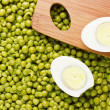 Eggs and Peas — Stock Photo