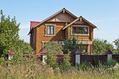 Güzel bir ahşap ev — Stok fotoğraf