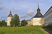 Duvarları ve kuleler kirillo belozersky manastırı, rusya federasyonu — Stok fotoğraf