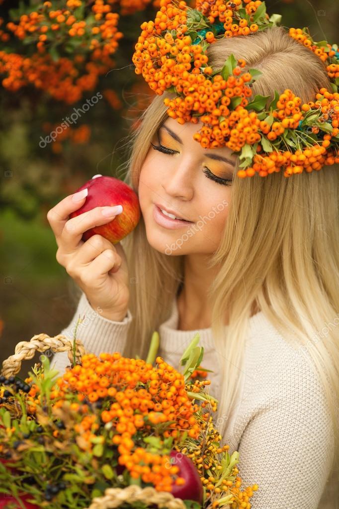 Женщина осень очаровательная улыбка картинки