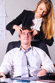 Making head massage — Stock Photo
