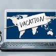 Laptop with vacation note — Stockfoto