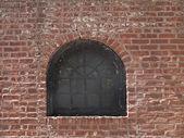 Okno na cihlovou zeď — Stock fotografie