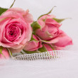 Beautiful  roses and weddings rings — Foto de Stock