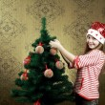 Decorating a tree — Stock Photo #8659576