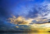 Solnedgången över havet. — Stockfoto