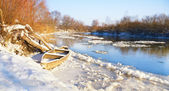De winter rivier — Stockfoto