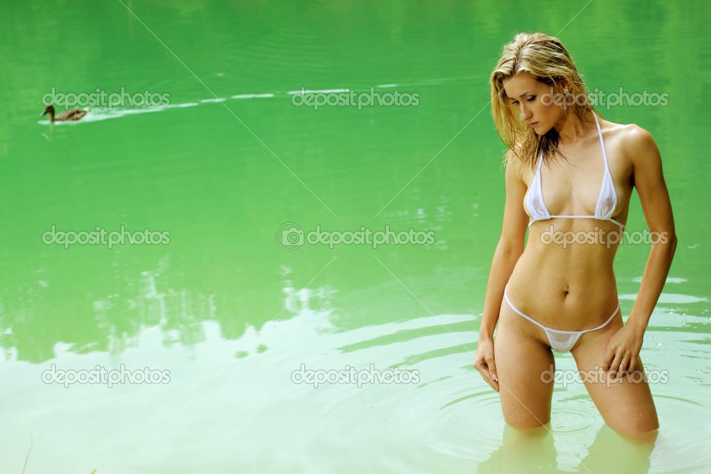 блондинки фото бікіні