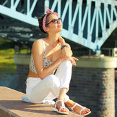 Positive girl in sunglasses — Stock Photo