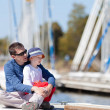 Family at a marina dock — Stock Photo