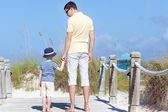 Family at the beach — ストック写真