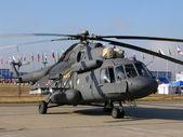 Militärische hubschrauber mi-8 — Stockfoto