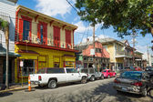 Cafes and shops at Frenchmen St in Faubourg Marigny quarter, New Orleans — Stock Photo