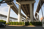 Main highways of New Orleans raised high above the ground — Stock Photo