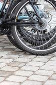 Bisiklet tekerlekleri closeup — Stok fotoğraf
