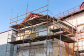 Old residential building being repaired — Zdjęcie stockowe