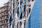 Commercial glass building under construction — Стоковое фото