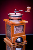 Close-up of an old-fashioned coffee grinder — Stockfoto
