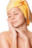 Zbliżenie: kobieta z doskonałym zdrowiu skóry — Zdjęcie stockowe