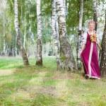 vrouw in Russische traditionele kostuum — Stockfoto