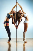 Pole dance women — 图库照片