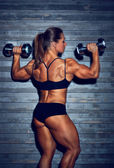Woman bodybuilder — Stock Photo