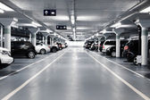 Parking podziemny — Zdjęcie stockowe