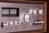 Vintage hi-fi Stereo Amplifier in wooden cabinet — 图库照片