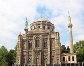 Pertevniyal Valide Sultan Mosque, Istanbul — Stock Photo