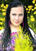 Afrika pigtails mavi gözlü güzel kadın — Stok fotoğraf