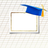 Cap Conseil ou de la remise des diplômes de mortier avec une feuille de papier sur le motif — Photo