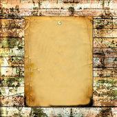 Tablón de madera vieja con tarjeta de papel — Foto de Stock