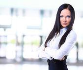 Portrait d'une femme d'affaires confiant jeune souriant — Photo