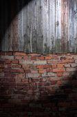 Spotlight on Dark Grungy Wall — Stock Photo