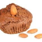 cupcake de brownie com amêndoas, isolado no fundo branco — Foto Stock