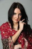 Belle jeune femme en sari — Photo