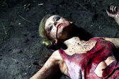 Bloody dead woman lying on the ground — Foto de Stock