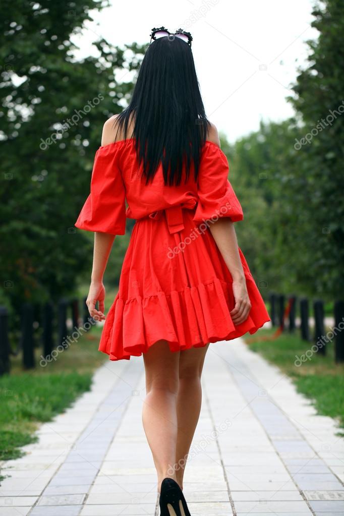 穿红衣服的美女