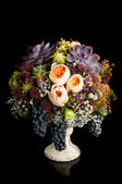 Autumn bouquet with grapes — Stock Photo