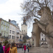 LVIV, UKRAINE, NOVEMBER 3, 2012: Lion monument on the Rynok square, on November 3, 2012, in Lviv, Ukraine — Stock Photo