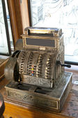 Old-time cash register in a vintage pharmacy-museum, old town, Lvov — Stockfoto