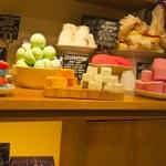 KIEV, UKRAINE- SEPTEMBER 6: Оrganic beauty foods in a shop Lush window, on Septmber 6, 2012 — Stock Photo
