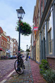 Bicycle near the lamp post on Lange Smeestraat — Stock Photo