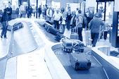 Karuzela bagażu w schiphol airport, amsterdam, holandia. — Zdjęcie stockowe