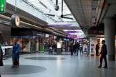 Interior of Schiphol Airport in Amsterdam — Stockfoto
