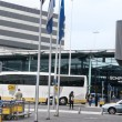 Bus near the Schiphol plaza shopping center in Amsterdam Airport — Stock Photo