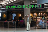 Starbucks Coffee terrace in Schiphol Airport — Stok fotoğraf