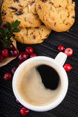 Coffee with cowberry cookies — Stock Photo